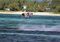 kite-surfing-2393944_640